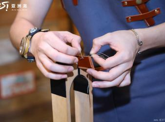 爱上皮革的触感 更爱TA背后的高贵这个是短标哈