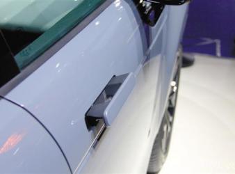 横屏、隐藏式门把手……这些汽车功能成趋势